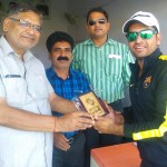 siddarth-lohia-received-man-of-the-match-award-from-rk-jain1-150x150