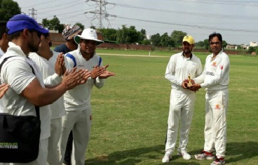 Manoj and Sonu help RGW defeat Veterans Cricket Club in the Skyline Corporate T20 League