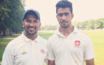 Hridayesh and Ausaf take 8wkts together vs Bhatnagar S & CF in the ongoing Kanga League 2017