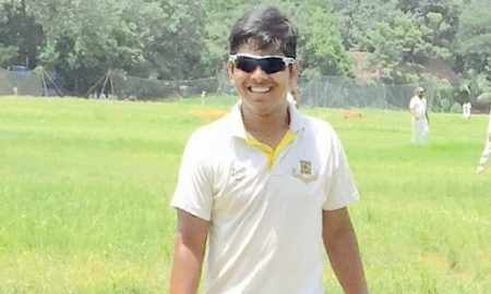 Wicket-keeper Mehboob Shaikh comes in handy with 2catches and a solid 60 vs Apollo CC in the Kanga League 2017