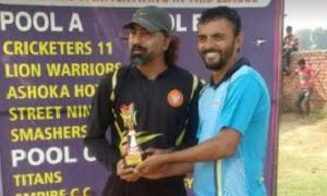 Manish's tight bowling and Sunny's 52* steers Simple1 to a win in the Skyline Champions League '17