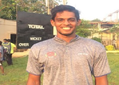 Fast Bowler Sumit Jaiswal runs through Islam Gymkhana's batting line up in the ongoing Kanga League 2017