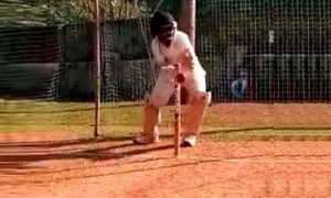 Wicket Keeping Image - Aalap Dasmahapatra
